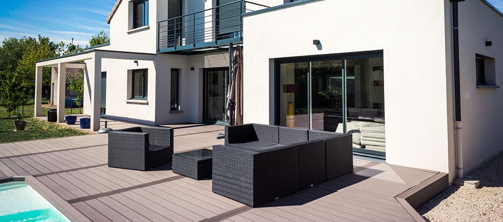 Immobilie: Garten mit Pool